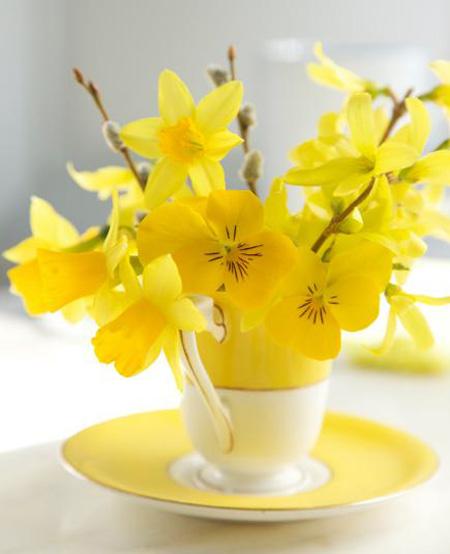 تزیین خانه با گل های طبیعی بهاری,تزیین و چیدمان خانه با گل های بهاری