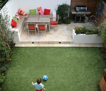 آماده کردن حیاط کوچک آپارتمان برای بهار