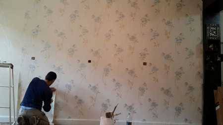 چگونه کاغذ دیواری در خانه اجاره ای، استفاده کنم؟
