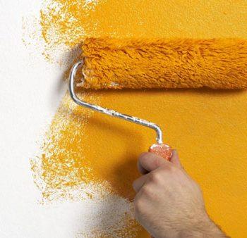 نحوه پوشاندن عیب دیوار با رنگ